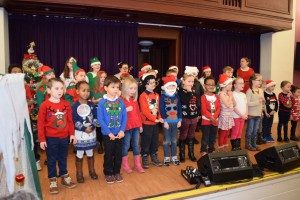 00010Alva Christmas Fayre '15 - Alva Primary Choir